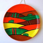 Plates decorated with acrylic paint