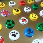 Mini badges with drawing pins